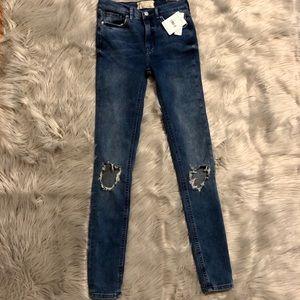 🆕 Free People Open Knee Skinny Jeans